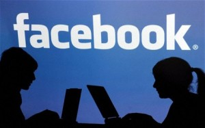 Facebook buys Instagram for $1 bn