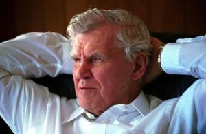 Music legend Doc Watson dies at 89