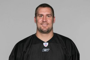 Ben Roethlisberger leaves stadium with injury